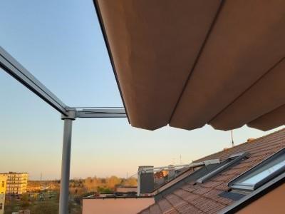 Una tenda sui tetti